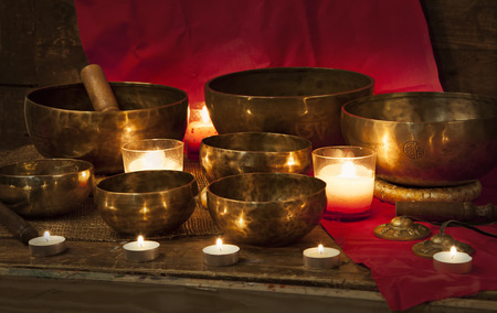 123RF 7 bowls with candles